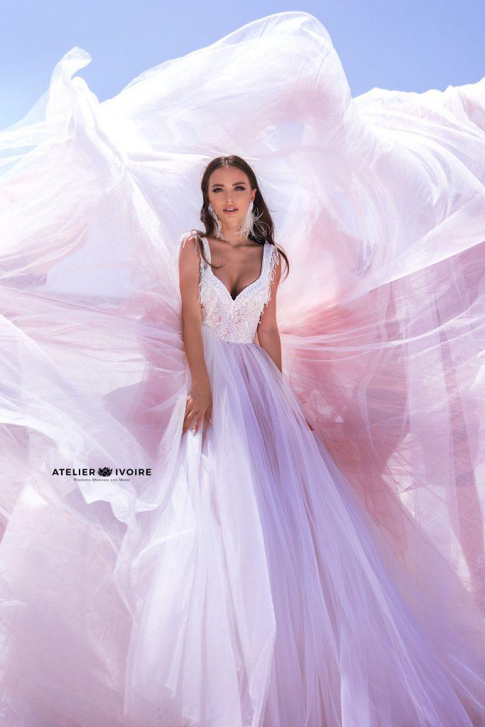 булчински рокли, сватбени рокли, булчински рокли с ръкави, булченски рокли, булчински рокли с дантела, булчински рокли с гол гръб, обемни булчински рокли, булчински рокли принцеса, цветни булчински рокли, евтини булчински рокли, бели булчински рокли, булчински рокли с шлейф, bulchinski rokli, svatbeni rokli, bulchenski rokli, булчински рокли с пайети, булчински рокли с тънки презрамки, булчински рокли А-линия, булчински рокли бюстие, булчински рокли от сатен, сатенени булчински рокли, булчински рокли русалка, тесни булчински рокли, булчински рокли по тялото, нова колекция булчински рокли, нови булчински рокли, булчински рокли 2020, модерни булчински рокли, булчински рокли с паднали рамене, булчински рокли с паднали ръкави, булчински рокли с паднали ръкави, блестящи булчиснки рокли, булчински рокли с V-образно деколте, булчинска рокля от тюл, булчинска рокля с ресни, булчинска рокля с допълнителна пола, булчинска рокля от две части, булчинска рокля с изчистена пола, испански булчински рокли, украински булчински рокли, булчински рокли с брокат, булчински рокли с ресни