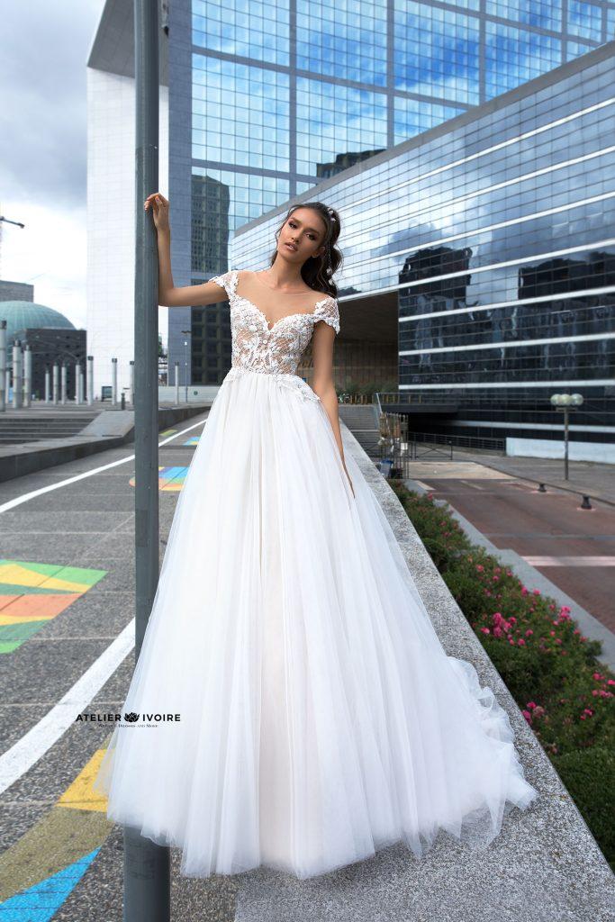 сватбена рокля, булчинска рокля, булчински рокли, сватбени рокли, булчински рокли с ръкави, булченски рокли, булчински рокли с дантела, булчински рокли с гол гръб, обемни булчински рокли, булчински рокли принцеса, цветни булчински рокли, евтини булчински рокли, бели булчински рокли, булчински рокли с шлейф, bulchinski rokli, svatbeni rokli, bulchenski rokli, булчински рокли с пайети, булчински рокли с тънки презрамки, булчински рокли А-линия, булчински рокли бюстие, булчински рокли от сатен, сатенени булчински рокли, булчински рокли русалка, тесни булчински рокли, булчински рокли по тялото, нова колекция булчински рокли, нови булчински рокли, булчински рокли 2020, модерни булчински рокли, булчински рокли с паднали рамене, булчински рокли с паднали ръкави, булчински рокли с паднали ръкави, блестящи булчиснки рокли, булчински рокли с V-образно деколте, булчинска рокля от тюл, булчинска рокля с ресни, булчинска рокля с допълнителна пола, булчинска рокля от две части