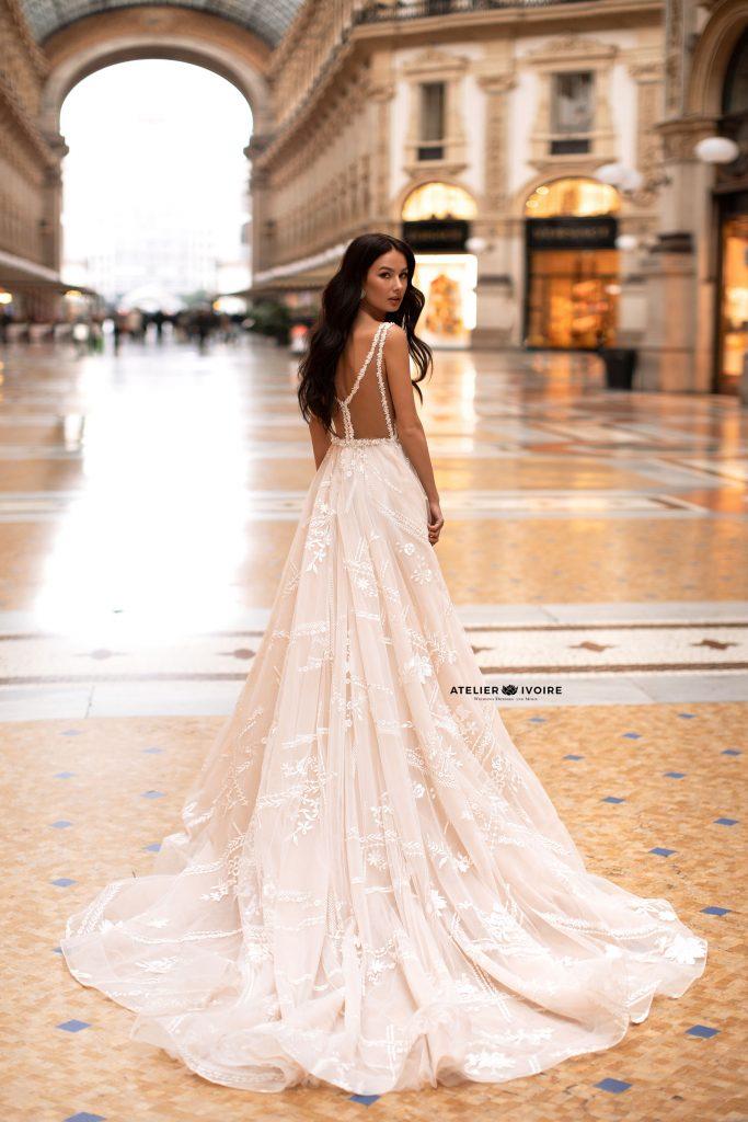 сватбена рокля, булчинска рокля, булчински рокли, сватбени рокли, булчински рокли с ръкави, булченски рокли, булчински рокли с дантела, булчински рокли с гол гръб, обемни булчински рокли, булчински рокли принцеса, цветни булчински рокли, евтини булчински рокли, бели булчински рокли, булчински рокли с шлейф, bulchinski rokli, svatbeni rokli, bulchenski rokli, булчински рокли с пайети, булчински рокли с тънки презрамки, булчински рокли А-линия, булчински рокли бюстие, булчински рокли от сатен, сатенени булчински рокли, булчински рокли русалка, тесни булчински рокли, булчински рокли по тялото, нова колекция булчински рокли, нови булчински рокли, булчински рокли 2020, модерни булчински рокли, булчински рокли с паднали рамене, булчински рокли с паднали ръкави, булчински рокли с паднали ръкави, блестящи булчиснки рокли