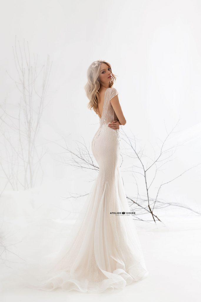 запомняща се сватбена рокля тип русалка, сватбена рокля, булчинска рокля, булчински рокли, сватбени рокли, булчински рокли с ръкави, булченски рокли, булчински рокли с дантела, булчински рокли с гол гръб, обемни булчински рокли, булчински рокли принцеса, цветни булчински рокли, евтини булчински рокли, бели булчински рокли, булчински рокли 2020, сватбени рокли 2020, колекции 2020, сватбени рокли софия, булчински рокли софия, сватбени рокли цени, булчински рокли цени