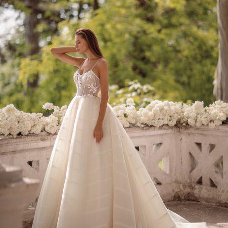 сватбена рокля, булчинска рокля, булчински рокли, сватбени рокли, булчински рокли с ръкави, булченски рокли, булчински рокли с дантела, булчински рокли с гол гръб, обемни булчински рокли, булчински рокли принцеса, цветни булчински рокли, евтини булчински рокли, бели булчински рокли, булчински рокли 2020, сватбени рокли 2020, колекции 2020, сватбени рокли софия, булчински рокли софия, сватбени рокли цени, булчински рокли цени, best friday sale, trunk show, нова колекция